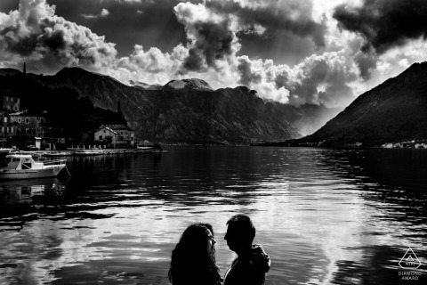 Germany black and white pre-wedding engagement pictures of a couple at the lake in the mountains | Hessen portrait shoot