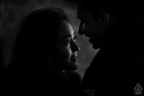 Occitanie black and white engagement images in low light | Herault photographer pre-wedding session