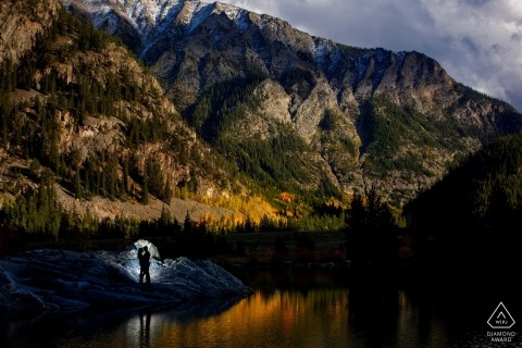 Mountain top engagement images of a couple in nature | Colorado photographer pre-wedding session