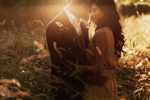 Verlobungsfotografie in London vor der warmen Sonne - England Photographers