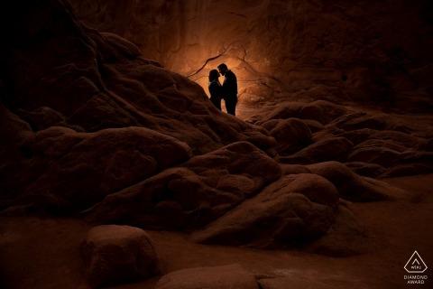 Séance de photographie Garden of the Gods Engagement par un photographe de mariage de Colorado Springs