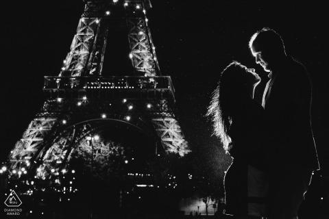 巴黎目的地婚禮攝影在艾菲爾鐵塔| 歐洲訂婚攝影師