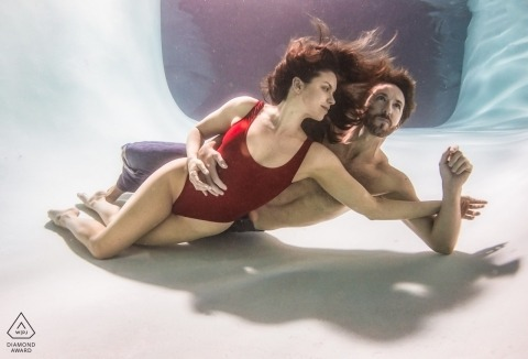 Underwater couple engagement session   Las Vegas wedding and engagement photography