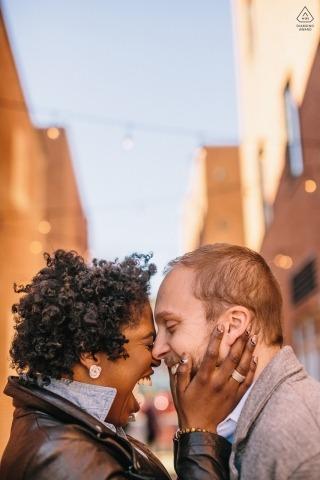 Fells Point | Baltimore, MD - Lustige Braut, die hart arbeitet, um ein Lachen zu bekommen!