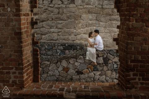 Rio de Janeiro, Brasilien Verlobungssitzung mit Ziegeln und Steinen