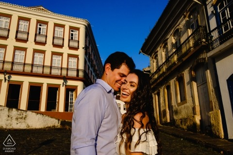 Minas Gerais Engagement PhotoShoot with couple in the streets