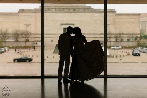 National Portrait Gallery DC | Die Braut hat ein fantastisches, handgefertigtes Kleid für diese Sitzung | hervorgehoben mit einer coolen sihloutte