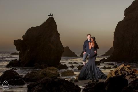 El Matador Beach Malibu | Pre-wedding portret op het strand bij zonsondergang