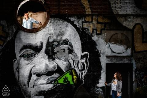 Graffitiportret met paar | Valladolid Engagement Photographe