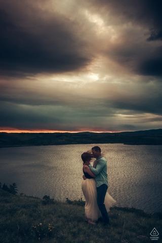 Waterton Lakes National Park, AB, Canada   Windy Sunrise Portraits aan het water