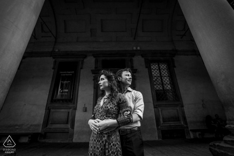 Engagement portrait session in Tuscany | Black and White Florence Photography