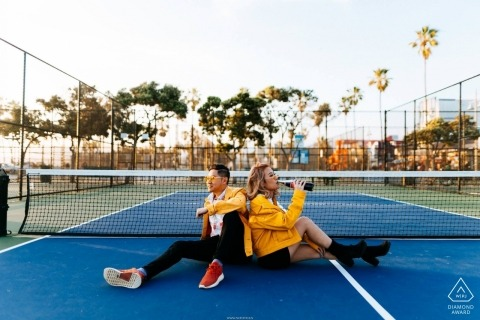 Cokes Anzeigen auf dem Tennisplatz - Arizona Engagement Photo