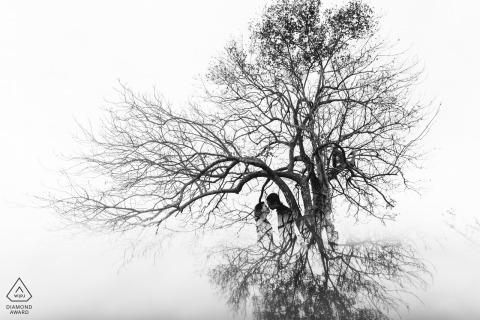 Deze Engagement-foto is gemaakt op Da Nang - Trees