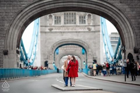 London bridge Engagement Photograph