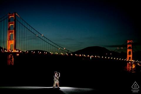 Golden Gate Bridge w nocy - California Engagement Photos