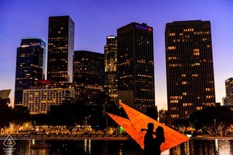 Portrait de Los Angeles California Water & Power Engagement Portrait au crépuscule