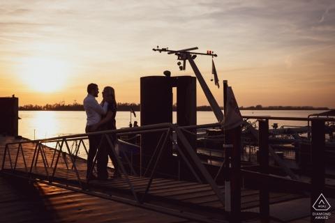 Engagement portraits bij sunset on Willemstad the Netherlands, op de Hollands diep, nice loveshoot - Fort Sabina Heijningen
