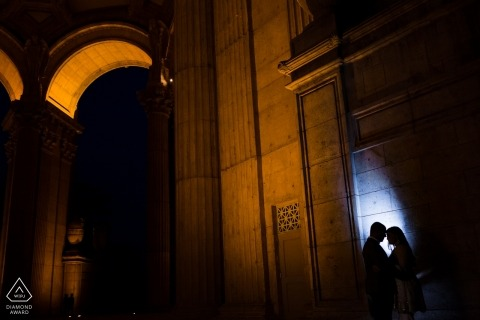 San Francisco California portrait photographer - engagement shoot at the Palace of fine Art