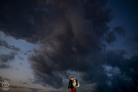 reggio calabria magic sunset engagement portrait session at dusk