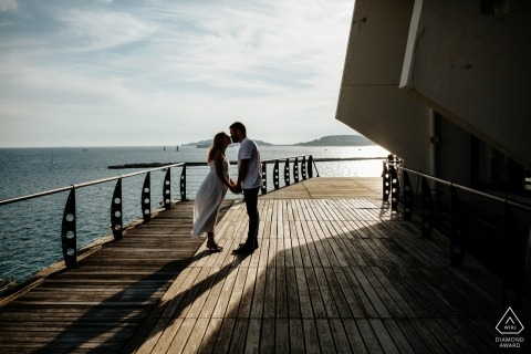 Marseille engagement portraits | afternoon session on the boardwalk Pier