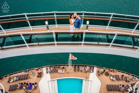 Destination engagement portrait session on the Cruise Ship MSC Seaview - Glazen brug