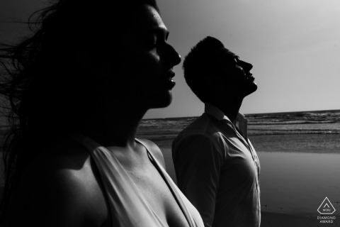 Pre-wedding portraits in black and white by the beach in Mumbai