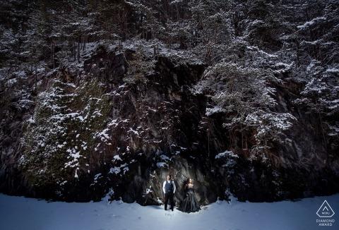 Interlaken, Suisse, photographie de fiançailles avant le mariage, soirée enneigée