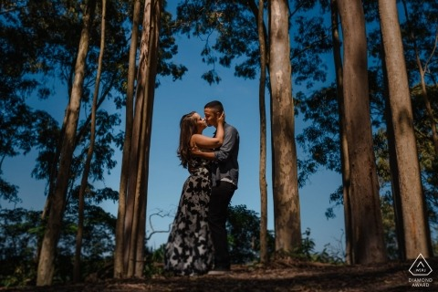 "Niteroi - RJ / Brazil Engagement Photographer: ""Stop the car at the side of the road, walk a little by a trail and you may have some wonderful surprises."""
