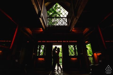 Ritratto di fidanzamento di Longwood Gardens - Silhouette dopo essere sceso dalle scale.
