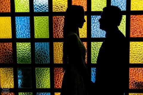 Caracas kleurrijk paar tijdens de verlovingssessie van Venezuela