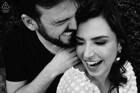 Ouro Preto, photographe de fiançailles MG en noir et blanc