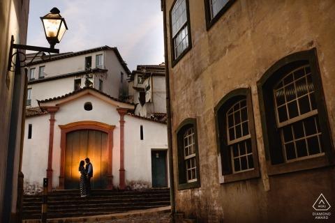 Tournage de fiançailles dans le village d'Ouro Preto, MG