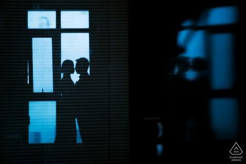 Sesión de retratos de compromiso de una pareja en un hotel en China.