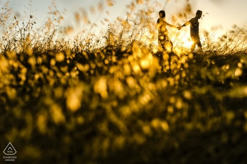 palo alto sunset walk during CA engagement photo shoot session.