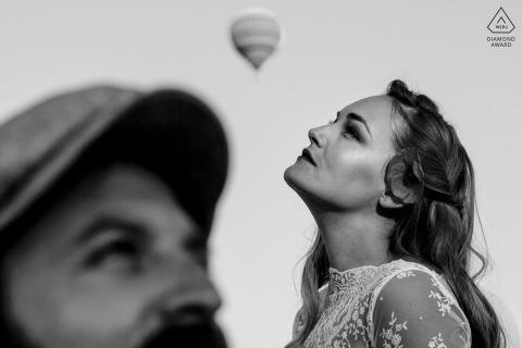 Photographe de fiançailles pour couples de dindes | Montgolfière de Cappadoce avant la session de mariage