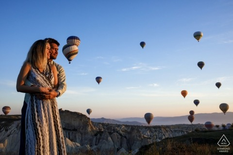 Engagement Photography - Cappadocia pre wedding session at the sunrise with hot air balloons