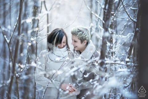 Engagement Photography in Thal bei Graz during the first snow in a forest near Graz/Austria