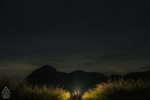 Niterói, Rio de Janeiro Verlobungsfotografie: Reine Liebe in der Nacht
