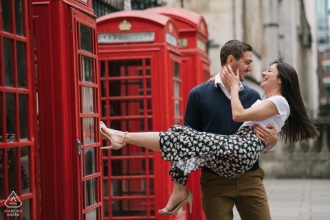 London, England engagement session with red phone booths