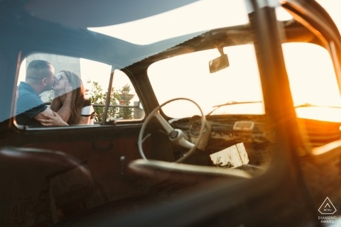 NICOTERA(VV)订婚肖像-夕阳下的汽车与情侣合影