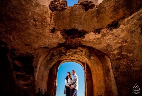Cabo de Gata阿爾梅里亞—阿爾梅里亞陽光燦爛的日子,參加情侶訂婚肖像會議