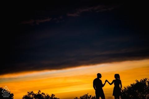 Lincoln Memorial, Washington, DC Verlobungsshooting - Tanzen, bis der große Sturm während des Sonnenuntergangs kommt