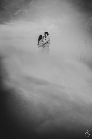 Mersin / Turkey Portrait Photography - Réflexion de couple engagé et de téléphone portable