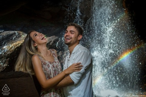 Goiás Brazil pre-wedding portraits with a couple and a prism with water