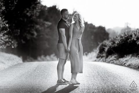 Verlobungsfotografie-Sitzung - Bild enthält: Schwarz und Weiß, Chicksands Wood, Bedfordshire