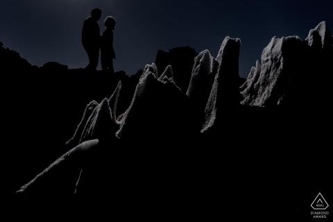 Atacama-Wüstenpaarschattenbild gestaltet in der Eisscholle während der Verlobungsfotosession.
