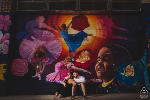 Old City Philadelphia Fotógrafo: Me encantan los graffiti y los murales. Los uso y destello esto. Fotografía de compromiso en las calles.