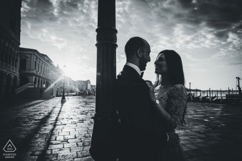 Venice engagement photoshoot near sunset in black and white.