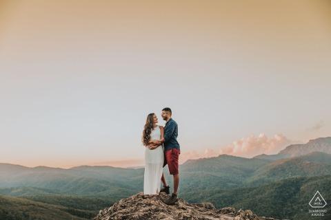 Lavras Novas, Brazil Photo of the couple on the stone | Engagement Portraits