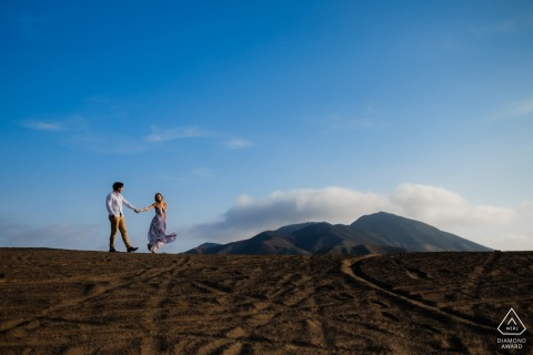 Pucusana - Lima - Peru Engagement Photography | Couple portraits at the Top of dunes on the way to beaches